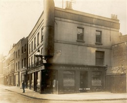 Photo:View of 69 Lisson Street at the junction with Bell Street 9 July 1904