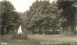 Photo:Paddington Green with the Sarah Siddons statue in the early twentieth century
