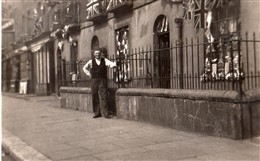 Photo:Grandad Baker in Broadley Street